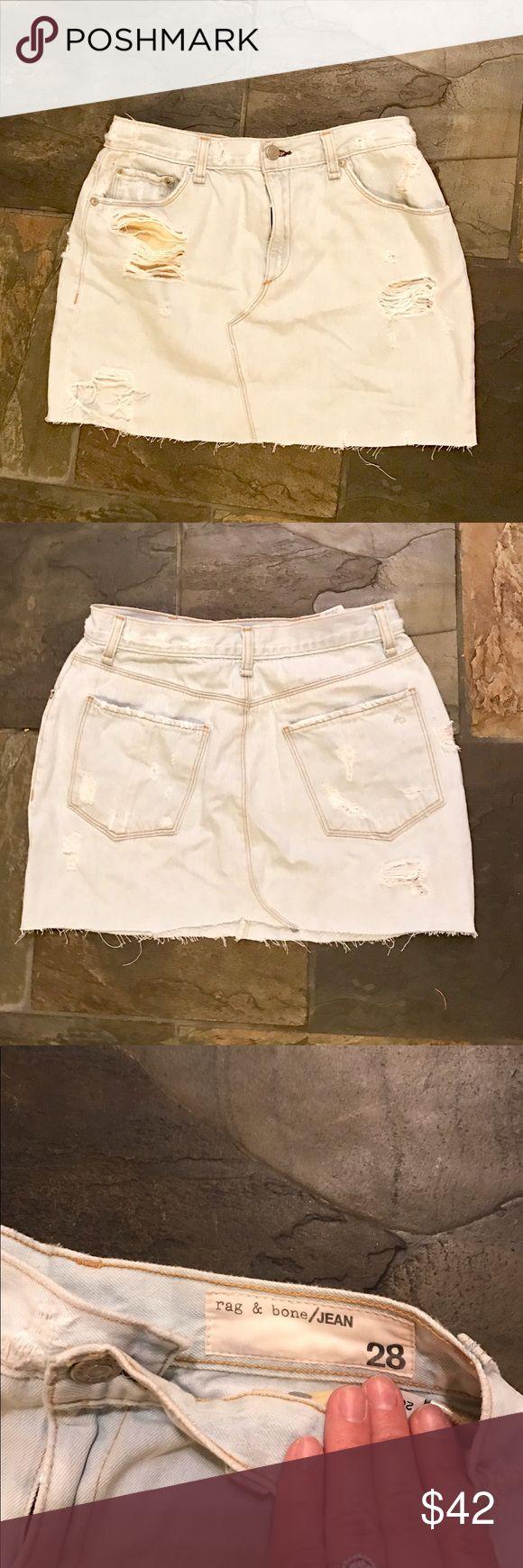 Rag & Bone distressed Jean Skirt Light wash rag & bone skirt. Distressed in all the right places. 👌🏼 rag & bone Skirts Mini