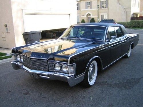 oldschooliscool 1969 lincoln continental four door sedan. Black Bedroom Furniture Sets. Home Design Ideas