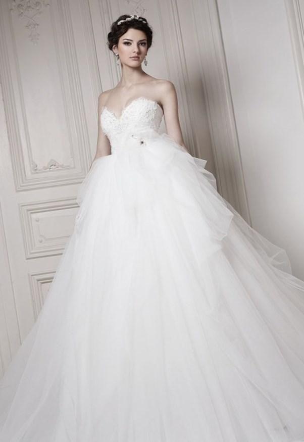 Пышные свадебные платья для беременных - http://1svadebnoeplate.ru/pyshnye-svadebnye-platja-dlja-beremennyh-3352/ #свадьба #платье #свадебноеплатье #торжество #невеста