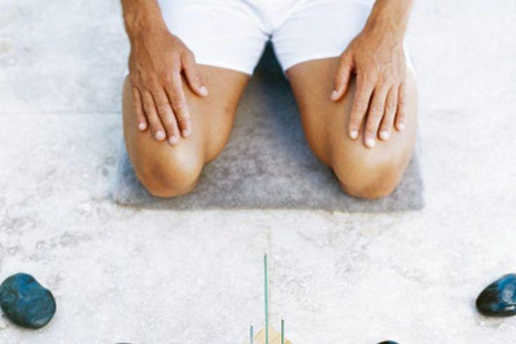 Calambres en la espinilla y dolor en la rodilla por hacer Yoga. Muchas personas recurren al yoga para reducir el dolor y las lesiones de otros deportes; las poses y estiramientos de bajo impacto proporcionan un contrapeso al alto impacto y empiezan y paran los movimientos de atletismo. Eso no ...