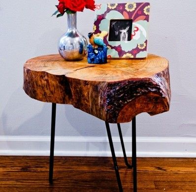 Trendy Log Side Table   I Think We Have Enough Logs To Make This Work :