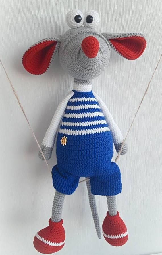 238DE Ratte mit dem Weihnachtskugel Amigurumi PDF Knittoy   Etsy   894x570