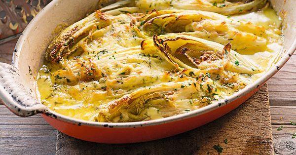 Servieren Sie Pell- oder Bratkartoffeln als Beilage zu diesem fruchtig-aromatischen Gemüseauflauf. Ihre Familie wird begeistert sein.