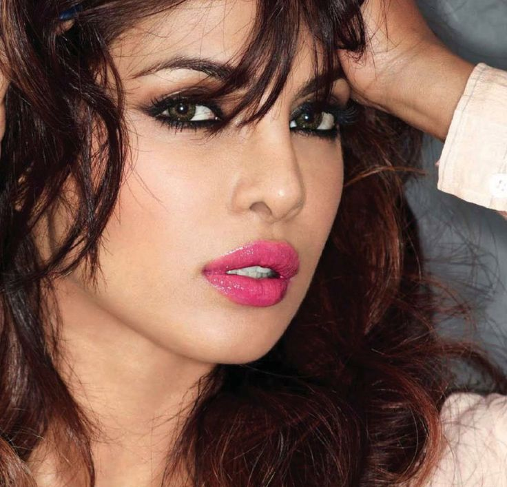 Image result for bronze makeup priyanka chopra