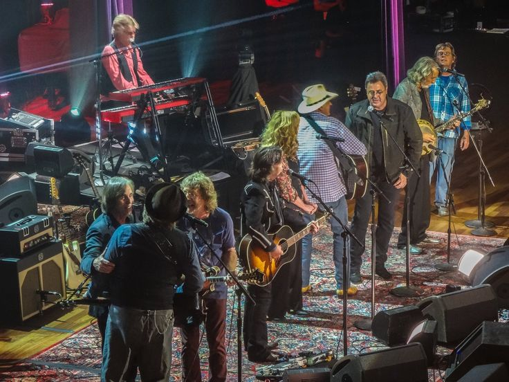 ...aka...the show goes on forever USA Music Tour 2015 Day 25 Nashville Tennessee 14 September Our house is just south of The Gulch and a thirty minute walk away from downtown Broadway - today we ne...