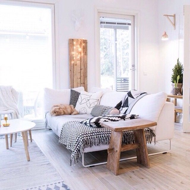 Белый-белый❄️ #интерьер #декор #дизайн #уютный #гостиная #студия #скандинавский #диван #стиль #копилка_идей #дизайнинтерьера #декорирование #вдохновение #идея #kashtanovacom #interior #design #decor #style #interiordesign #livingroom
