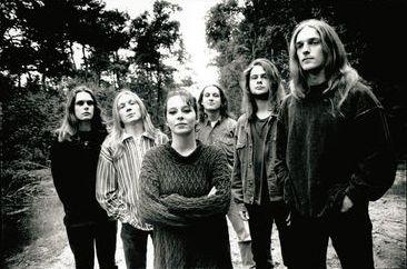 The Gathering. De populairste tags voor deze afbeelding zijn: Anneke van Giersbergen, band, gothic metal, black and white en metal