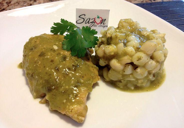 Pollo en salsa verde con maíz pozolero