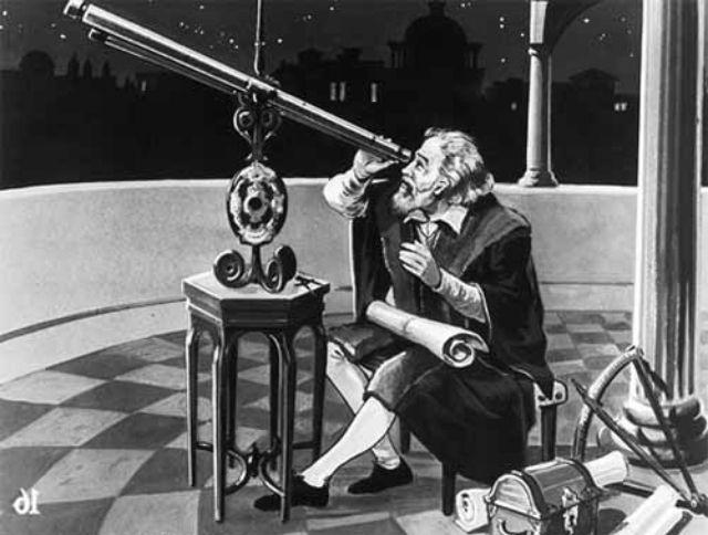 GALILIEO GALILEÏ EN DE TELESCOOP.   De grootste en meest indrukwekkende ontdekkingen doet hij op het gebied van de astronomie. Hij verbetert de Hollandsche telescoop van de brillenmakers Zacharias Janssen en Hans Lipperhey die niet 3x maar 20x kan vergroten. Hij ontdekte dat de maan niet mooi gaaf was, de Melkweg een verzameling sterren is en rond Jupiter vier heldere manen draaien. Ook ontdekte hij dat de aarde niet het middelpunt was van het heelal maar de zon (heliocentrische wereld).