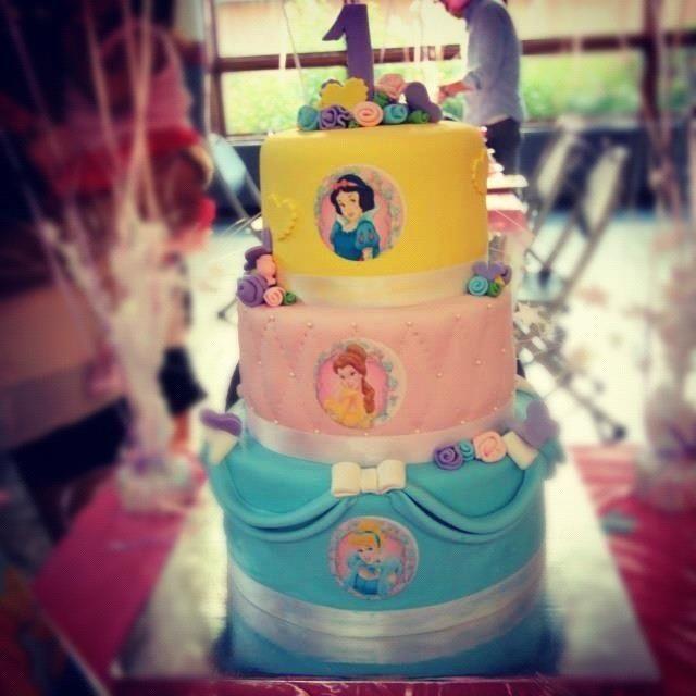 Princess Cupcake Cakes on Pinterest  Princess Cupcakes, Cupcake Cakes ...