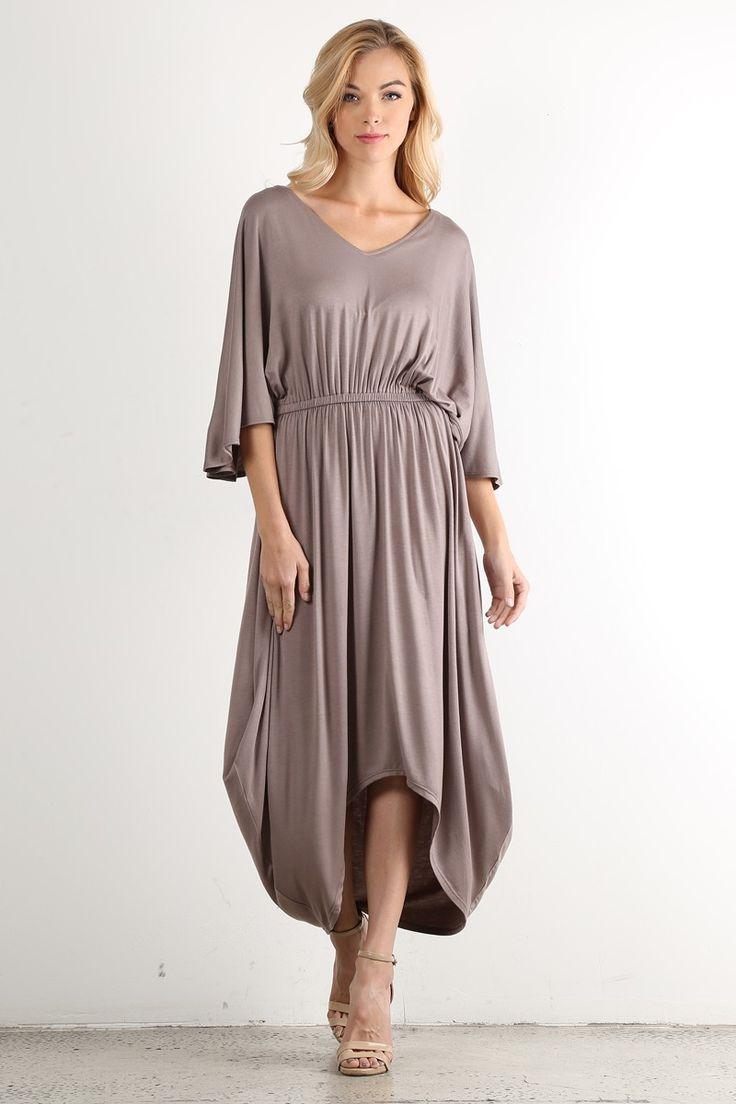 """Вечернее однотонное платье с рукавом цвет серо-коричневый Длинное вечернее платье с рукавом 3/4, V-образный вырез горловины, свободный покрой платья с драпировкой вдоль платья, юбка в стиле """"Hi-Lo"""". https://www.fashionusa.ru/upakovki/vechernee-odnotonnoe-platie-s-rukavom-3-4-d487"""