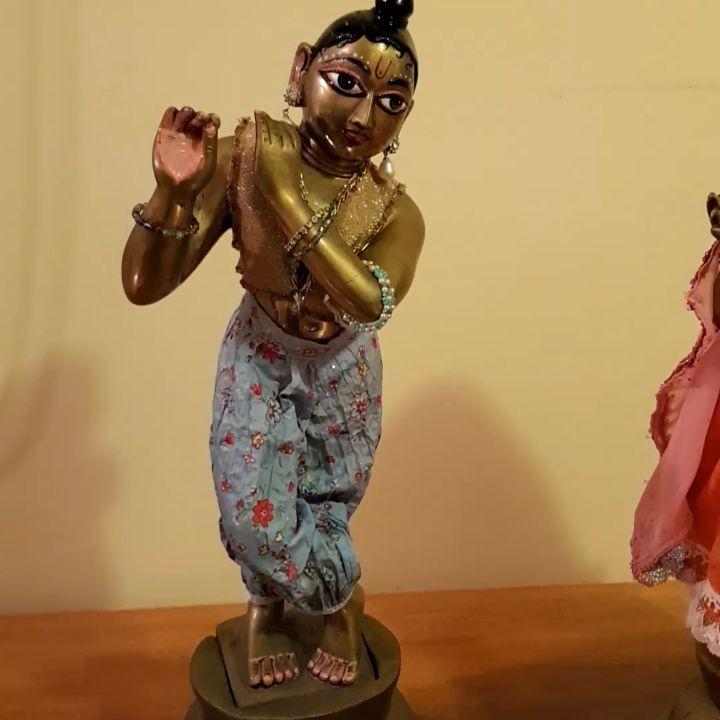 Pants pioneered by the wonderful Jivananda dasi  And my way of easily making them... Now my dears are leaving me I think of all the things I still wanted took do! In fact my heart feels a little shaken to think he's going. . . . #deity #moorti #moorthi #bhakta #bhakti #deitygarments #divine #krishna # #krsna #govinda #gopala #madhava #sharma  #radhe #radha #radharani #radhika #srimateRadharani #radhaDoll #kids #krsnakids #krsnaart #god #hindu #choli #desi #bhangra #ghungroo