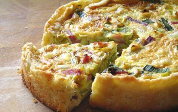 Flamiche picarde aux poireaux et jambon WW, recette d'une délicieuse quiche aux poireaux et au jambon, très facile à réaliser pour un repas léger.