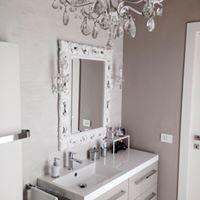 white bath room