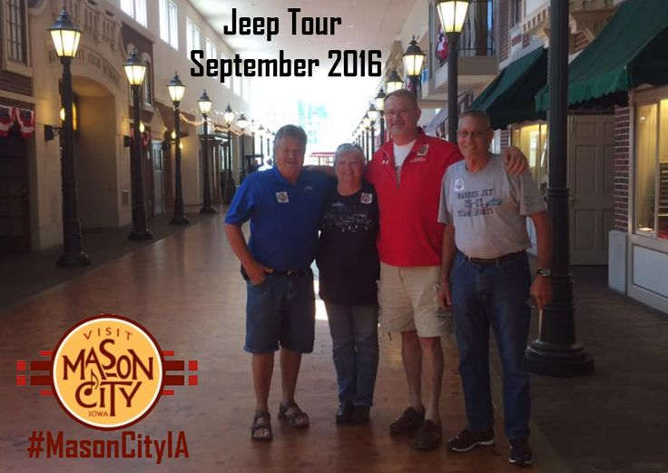 Jeep Group tour stops at the Music Man Square for a visit! #MasonCityIA #grouptour