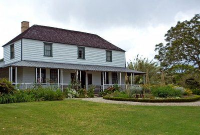 The first weatherboard home in New Zealand was Kemp House, built in Kerikeri in 1820-21. This house still stands today.