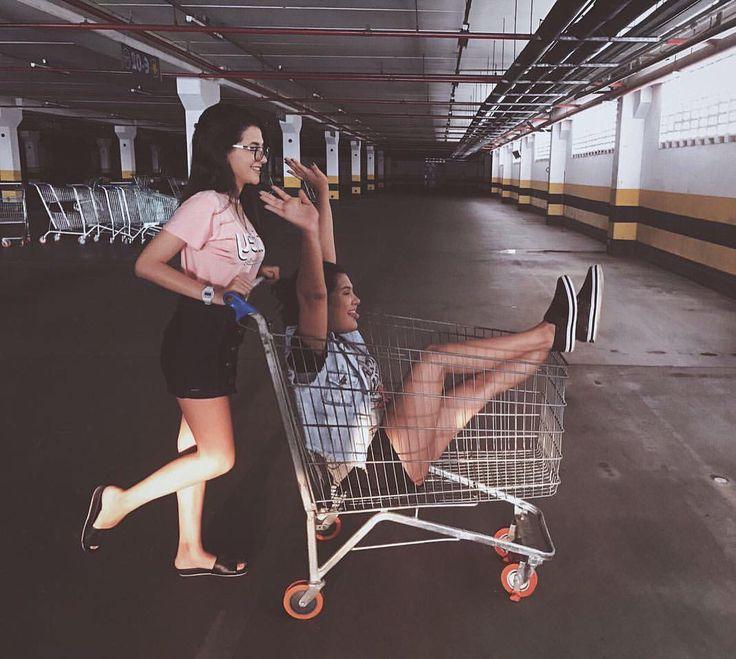 """FOTO TUMBLR COM A AMIGA / AMIGAS TUMBLR - Leticia Vale ✨ (@blogleticiavale) no Instagram: """"Mais que amigas, somos friends  • • Vocês acham que é fácil se inspirar em foto tumblr e conseguir…"""""""
