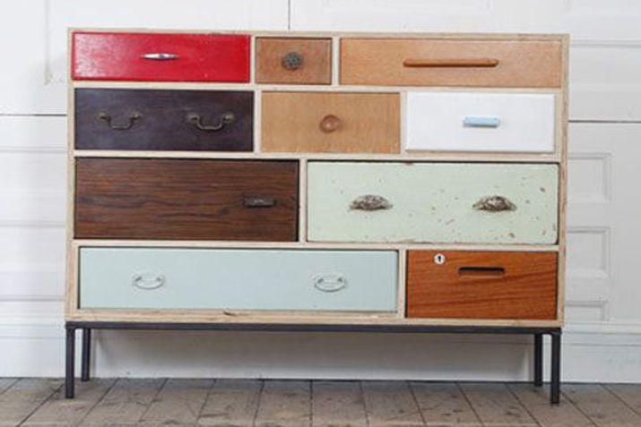Las tres sillas muebles reciclados cajones 8 muebles for Cajones para muebles