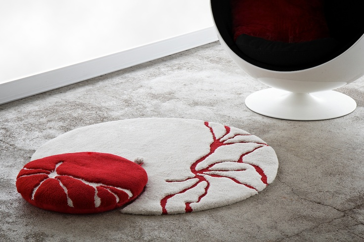 Pygmee - rug + cushion by L'Arte di Penelope