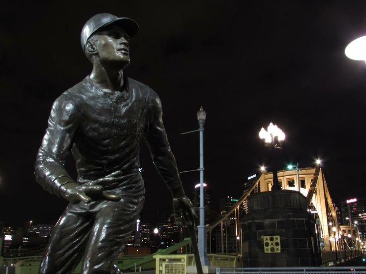 Statue of Roberto Clemente, Pittsburgh Pirate #21, PNC Park, Pittsburgh PA