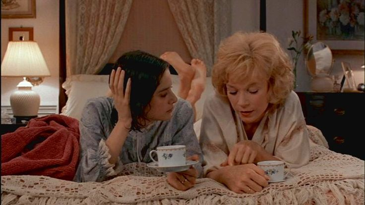 Debra Winger & Shirley MacLaine, 'Terms of Endearment' | 22 Co-Stars Who Did Not Get Along On Set, Or Off | Bustle