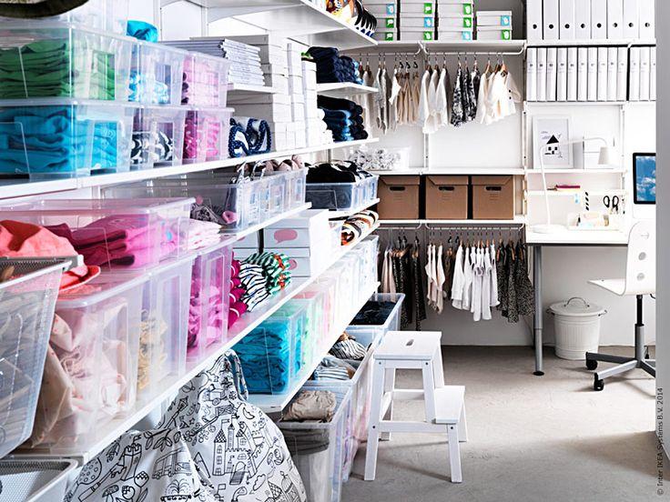 Kickstarta året med en grundlig rensning av garderob och förråd. Vi skapar utrymme som ger ordentligt med översikt och gör det enkelt att hitta. Öppen och transparent förvaring hjälper dig att organisera hela familjens prylar.