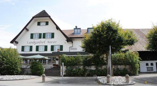 Landgasthof Kreuz - 3 Sterne #Hotel - CHF 83 - #Hotels #Schweiz #KappelBeiOlten http://www.justigo.ch/hotels/switzerland/kappel-bei-olten/landgasthof-kreuz_4279.html