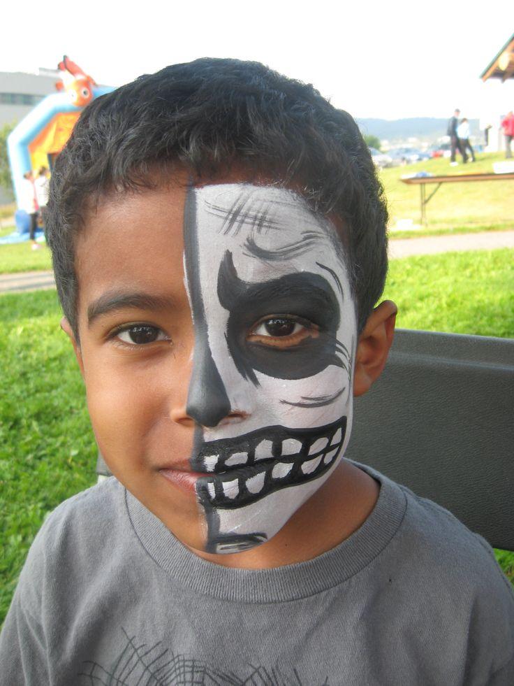 Kids skeleton face painting