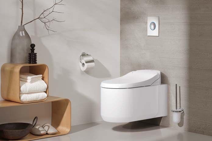 la technologie s'invite jusque dans vos toilettes ! découvrez le wc lavant connecté signé grohé. Le wc Sensia Arena dispose de fonction pour votre plus grand confort :  ouverture automatique de l'abattant , réglage  des jets, séchage par air chaud, filtre à charbon actif absorbeur d'odeur… 3 modes de commandes via le smartphone , télécommande ou  contrôle situé sur le côté de l'abattant. pour plus d'infos et un devis gratuit rdv sur Batinea !