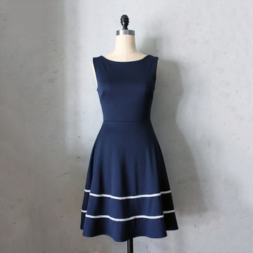 Coquette Dress in Navy.