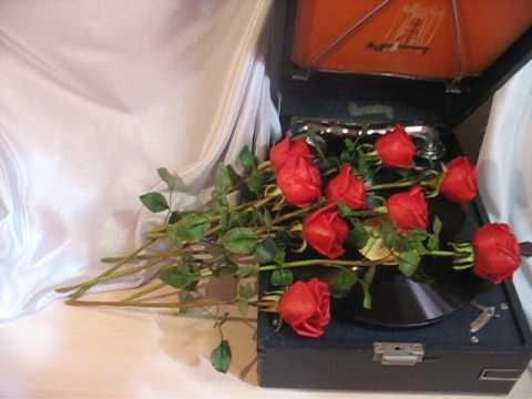 Красные розы из холодного фарфора. Милоцветие
