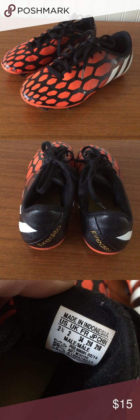 Kids adidas predito soccer cleats 2 1/2 Stylish cleats in good used condition! These are boys but unisex in my opinion Adidas Shoes Sneakers