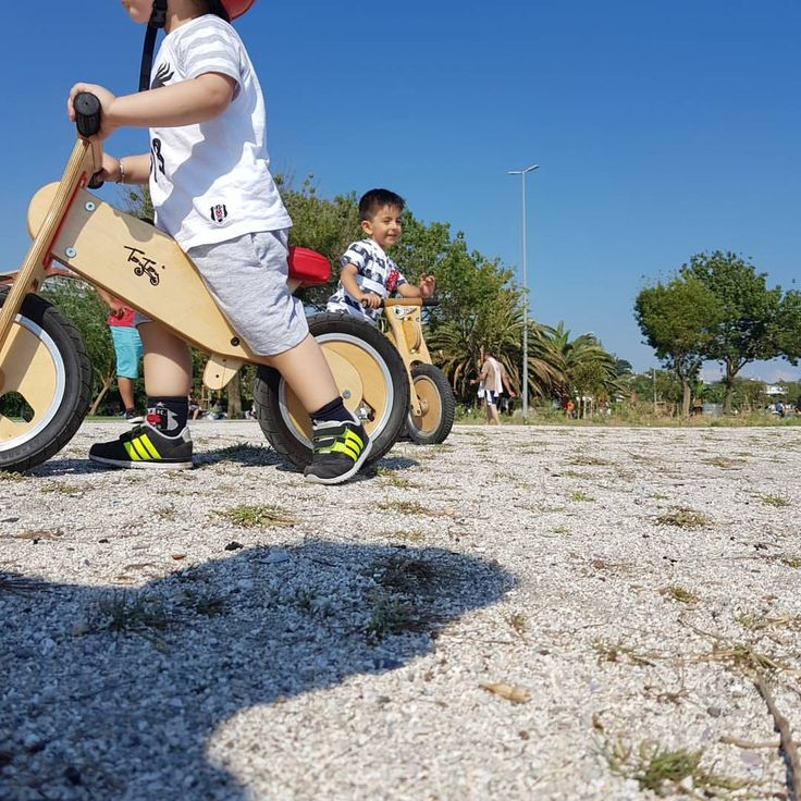 "19 Likes, 1 Comments - Serkan Caniberk (@serkancaniberk) on Instagram: ""🚴♂️ taytay riders #latergram 🚴♂️😁 ⚡🤘#taytay #tahta #bisiklet #denge #bisikleti…"""