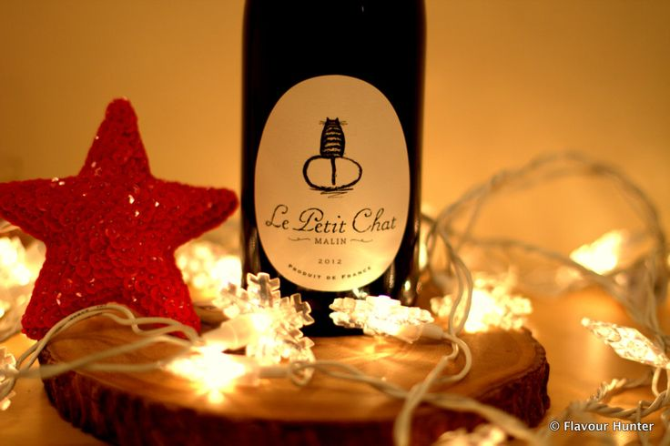 Happy Wine Wednesday! This week we take a look at Le Petit Chat Malin, a delicious and fruity red blend from France.