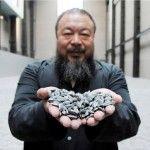 """Sunflowers Seeds es la plataforma web que integra diversos videos, fotografías y textos de la conocida obra de Ai Weiwei sobre las """"Semillas de girasol""""."""