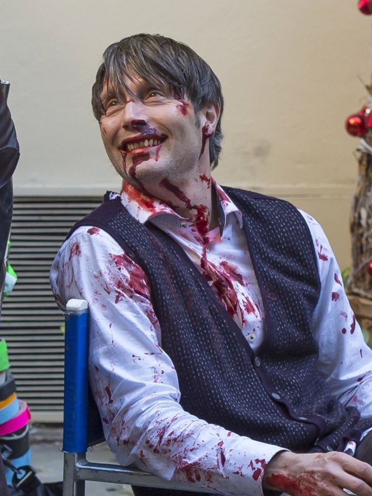 Mads as Hannibal behind the scenes :D