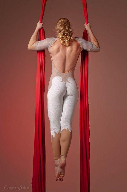 Serán deformes, pero amo esas espaldas... Silks