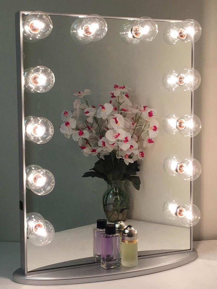 25 best ideas about mirror with light bulbs on pinterest makeup desk with mirror vanity desk. Black Bedroom Furniture Sets. Home Design Ideas