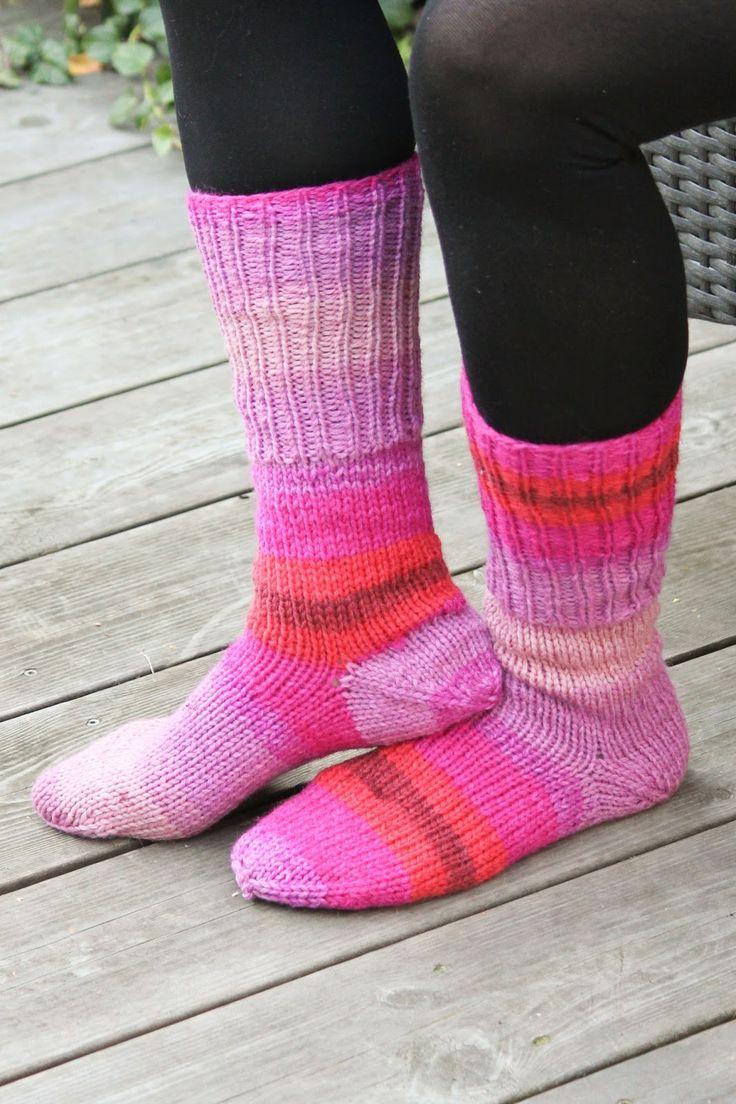 Har du testat att sticka sockor med hälen stickad efteråt. Den här sockan är en lite enklare variant och perfekt för dig som tycker d...