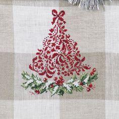 Праздничные елки / Sapins de fete - кухонное полотенце Les brodeuses parisiennes / Парижские вышивальщицы