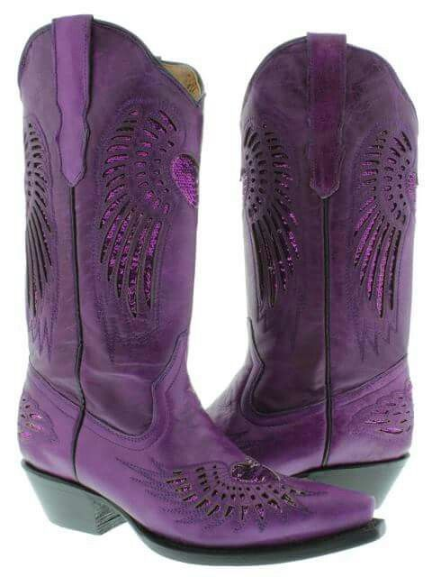 no biker in their right mind would wear these. however I WOULD. Arizona girl at heart! jh