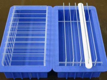 Moule à savon en silicone avec cloisons amovibles, pour réussir les marbrages les plus audacieux ;)