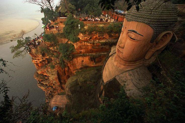 giant buddha, leshan, sichuan province, china