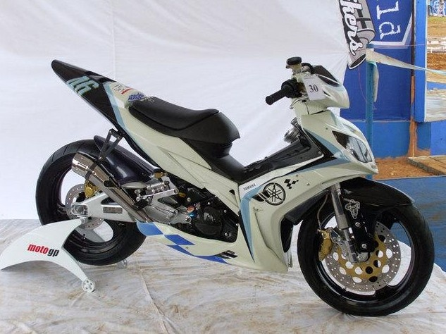 Yamaha Jupiter MX... Thailand's bikes are not just for hauling chickens.