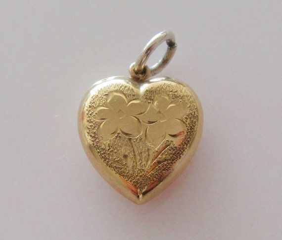 9ct Gold Heart with engraved Flowers by Britishgoldandsilver