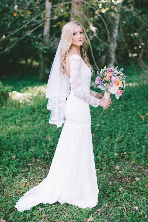 Delightful Unique Winter Wedding Dresses Under $1500