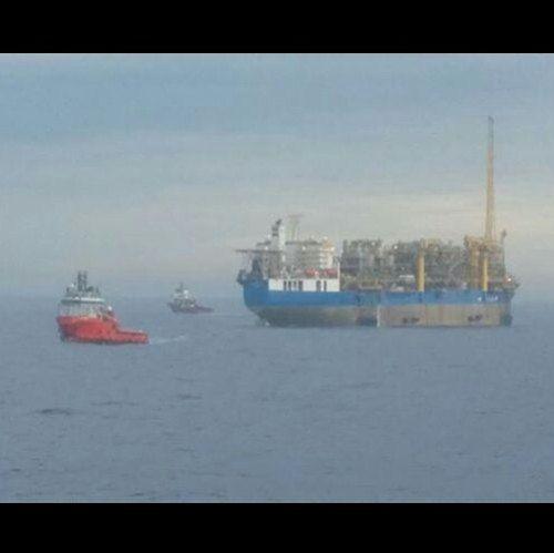 L'offshore non dorme mai!  #ahcamogli  #ahts #rriuniti #rimorchiatori_riuniti #ahts #supply #supplyvessel #oilrig #oilfield #brasil #sea #seaman #mariners #ship #vessel #offshore #offshorelife #fpso #santosbacin #brazil by giorgissimo10