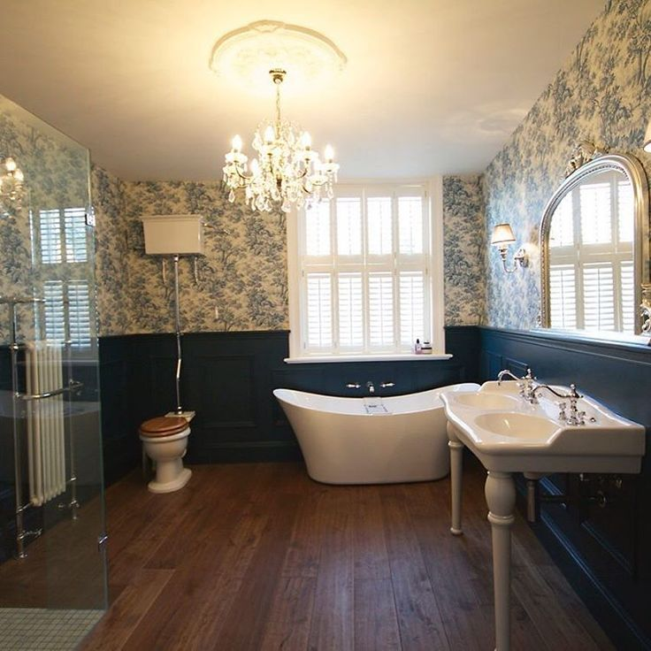 We love this real #heritage #bathroom! #bathroomdecor #bathroomdesign #decor #inspiration #interiordesign #interiors