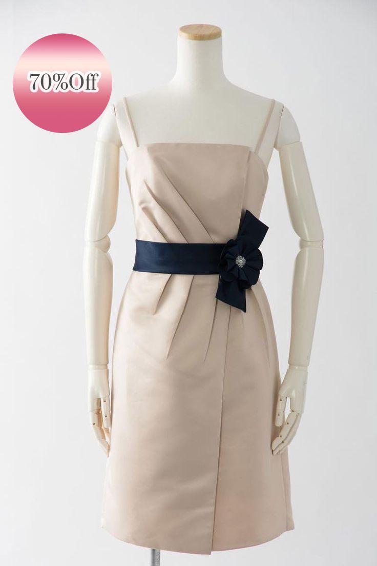 Sale, Instock Bridesmaid Dresses. Ivory, Beige Multi Color Floor Length & Knee Length Satin Dress. #ブライズメイドドレス #ブライズメイド  合計金額 ¥20,000-(税抜)以上で送料無料即日納品 セール商品の返品受付サービス・お直しについて ベアトップデザインのマットサテンドレス 優しいベージュカラーのドレスにネイビーのベルトが目を引きます  定価23,700円の70%オフにて限定販売です  販売ドレスカラー:サンド × ネイビー(画像色) USサイズ0 (バスト84cm/ウエスト63cm/ヒップ94cm)の方向け ドレス実寸サイズ-身幅84cm/ウエスト64cm/ヒップ100cm/着丈72cm  【セールドレス色別タグ】 #ブルー・パープル・グリーン系  #イエロー・コーラル系  #アイボリー・ベージュ系  #赤・ピンク系  #ブラック・ネイビー系
