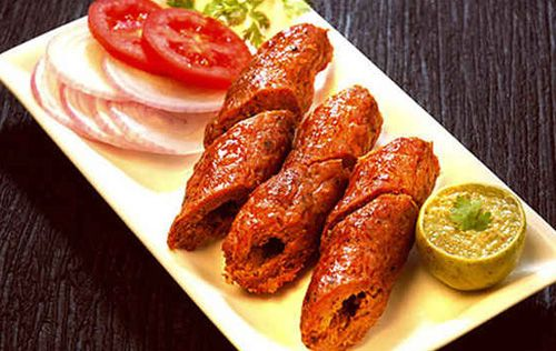 How to Make Easy Baked Seekh Kebabs in Urdu - English   Ingredients: Mince – 300gm kothmir  – ¼ bunch Mint – ¼ bunch Lemon juice – 1 ½ tbsp Cashew nut – 25gm Green chilies – 5 Onion – 1  Red chili powder – 1 tsp Coriander powder – 1 tbsp Cumin powder – 1 tbsp Tomato puree – 1 tbsp Egg yolk – 1 Red food color – ¼ tsp Black pepper – 1 tsp Poppy seeds – 1 tsp White sesame seeds – 1 tbsp Carom seeds – 1 tsp Salt – to taste Garam masala powder – 1 tsp Fried gram flour – 2 tbsp Garlic cloves – 5